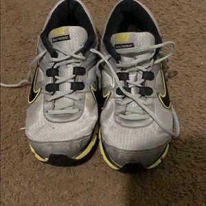 Nike DUAL FUSION ST Size 9.5